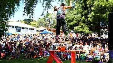 813407-cygnet-folk-festival